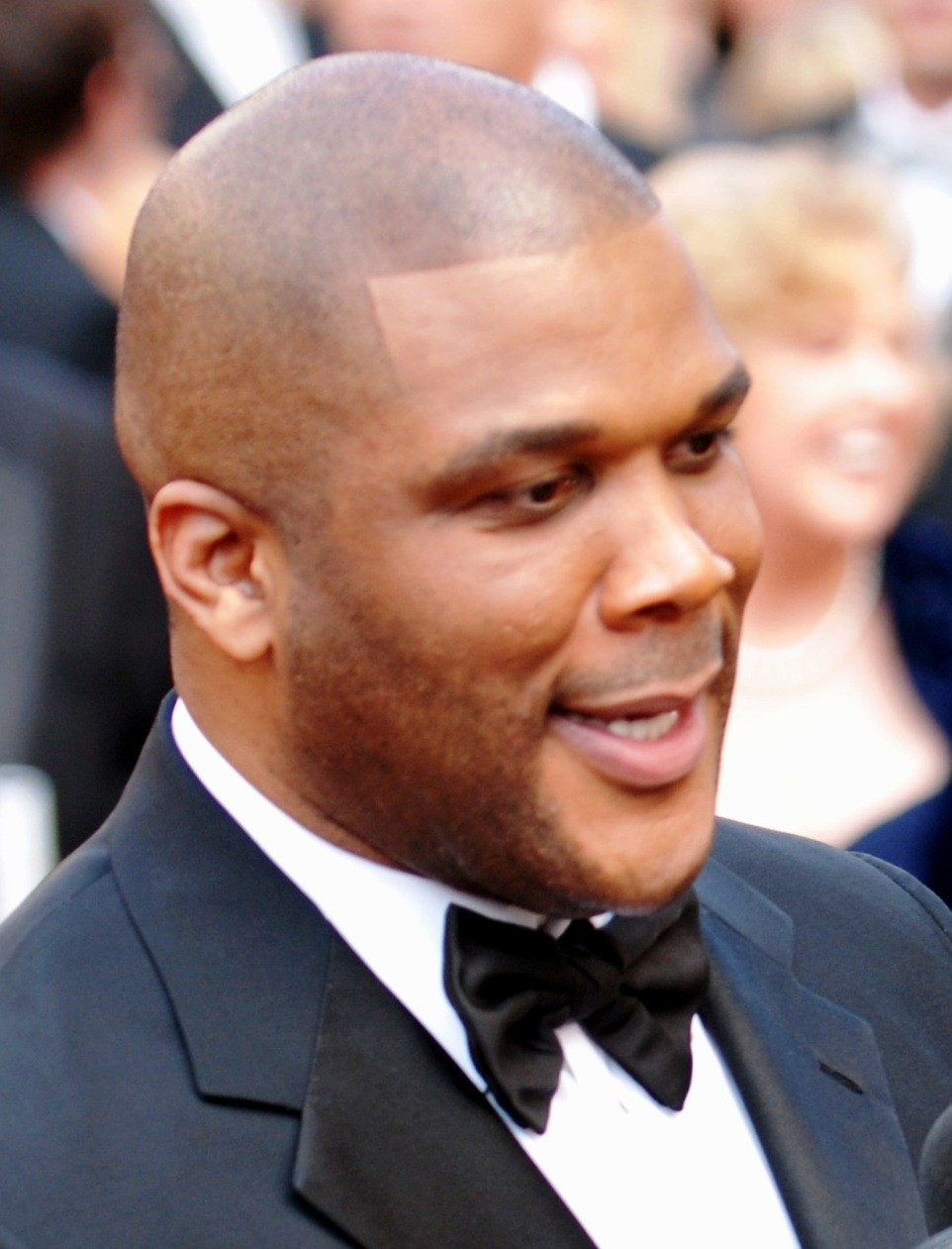 82nd_academy_awards_tyler_perry_-_army_mil-66455-2010-03-09-180359_cropped